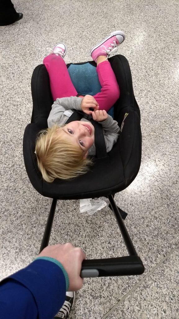10 tips for surviving a long plane ride with young children
